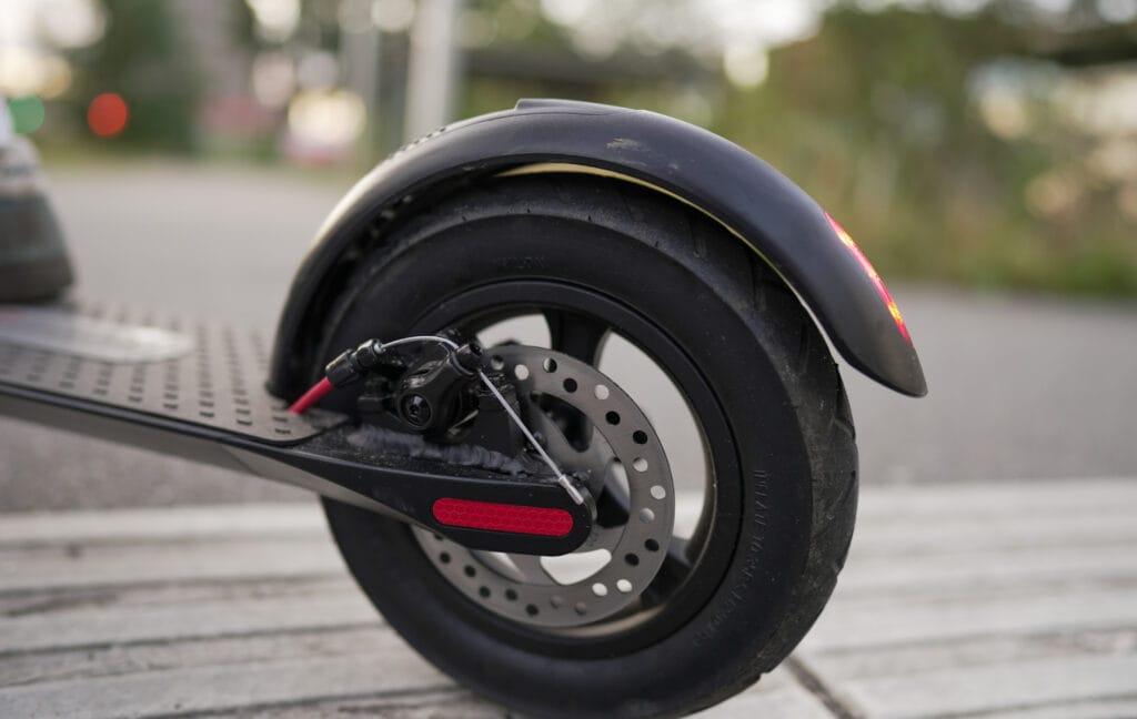 baghjul og skivebremse på GoRunner Comfort el-løbehjul